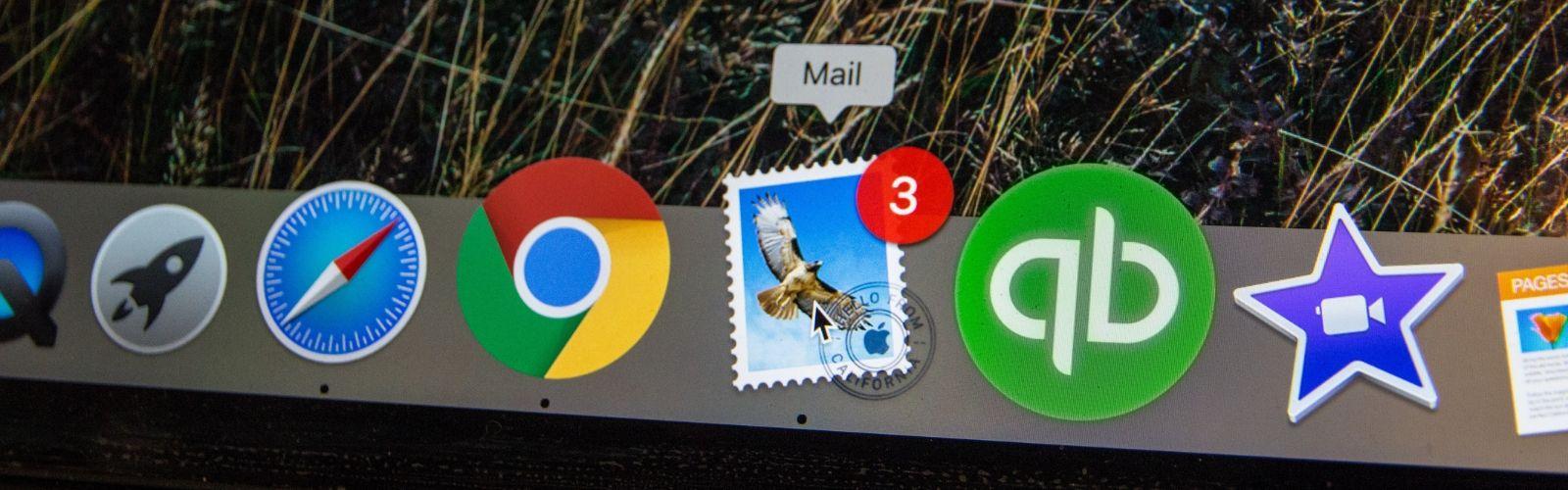 iMac bottom menu bar focused on mail program